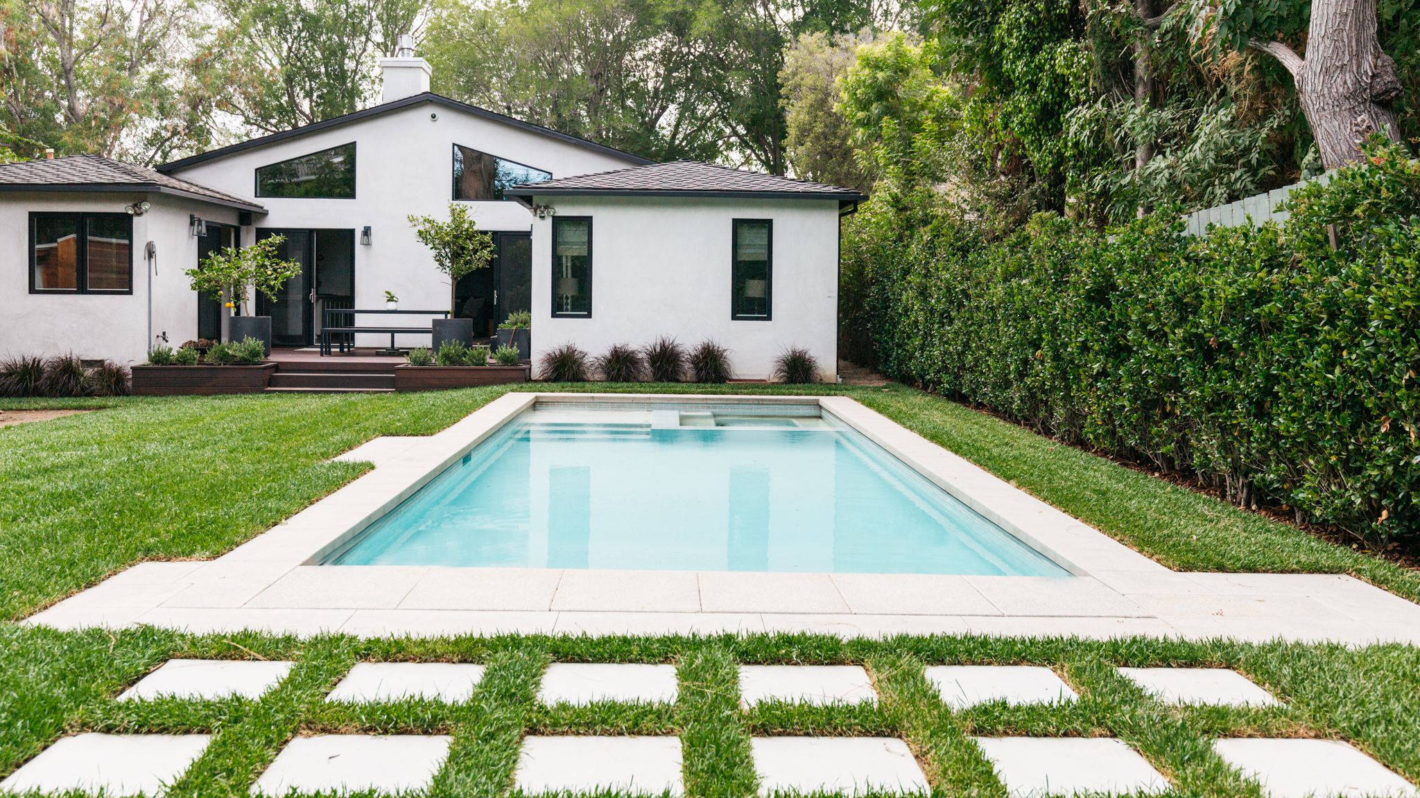 What Is the Best Type of Pool for Cold Climates?